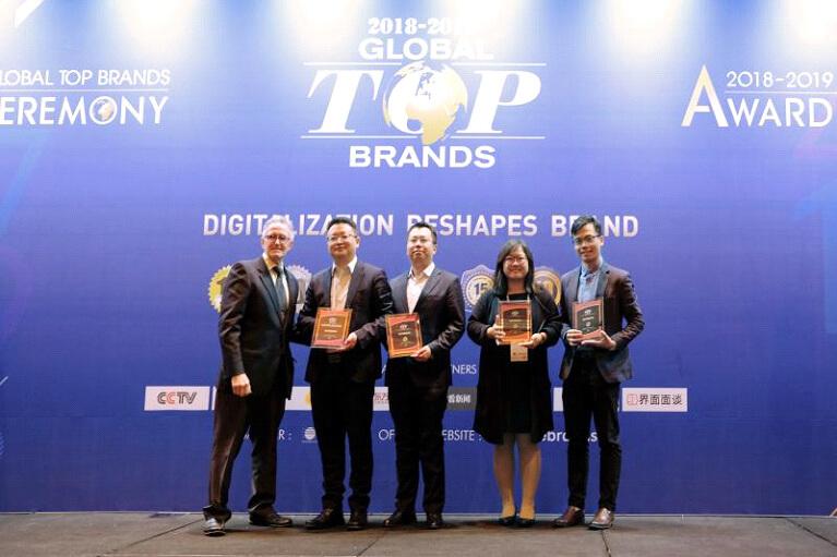 4.Awards.jpg